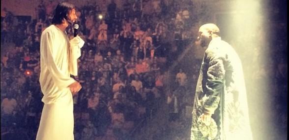 Se video: Kanyes 'Yeezus'-tour har et kæmpe bjerg og en Jesus-imitator