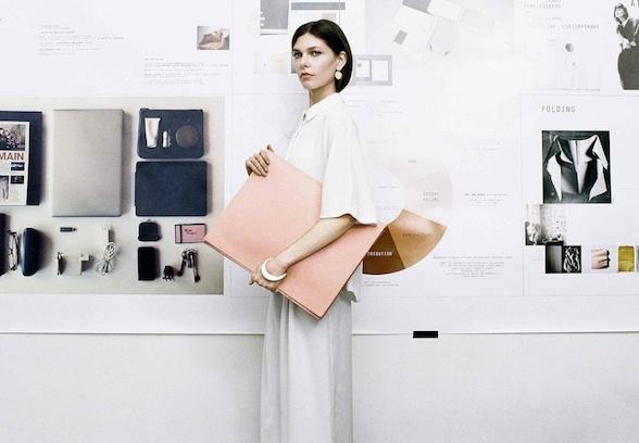 La première boutique de & Other Stories en France ouvrira à Paris, juste à côté du concept store Colette. H&M commence à diffuser plusieurs vidéos sur les réseaux sociaux, histoire d.