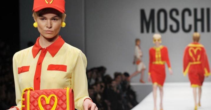 Få fingrene i 'fast food'-Moschino allerede nu