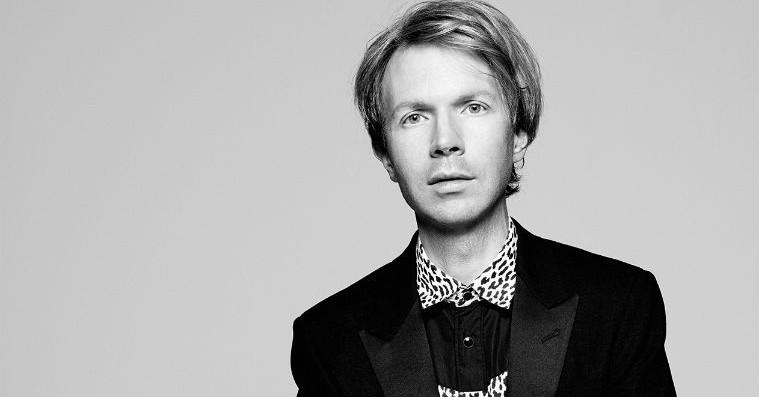 Beck annoncerer omsider nyt album 'Colors' – lander om lidt