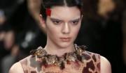 Givenchy byder Kendall Jenner op til dans