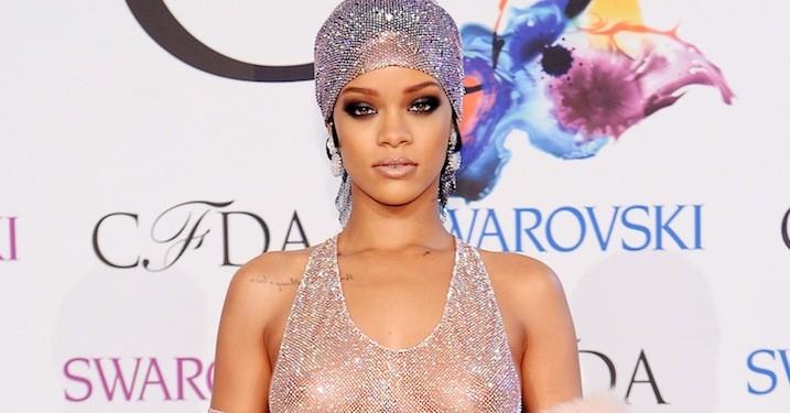 Rihanna vinder pris som (nøgent) modeikon