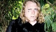 Sprudlende garagerock og forvrænget dancehall: Hør nye album fra Ty Segall og The Bug