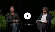 Video: Brad Pitt er på akavet besøg hos Zach Galifianakis