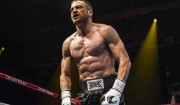 Se Jake Gyllenhaal som pumpet muskelbøf