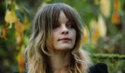 Jessica Pratt bøjer sin stemme til forskellige personligheder med en usvigelig lethed
