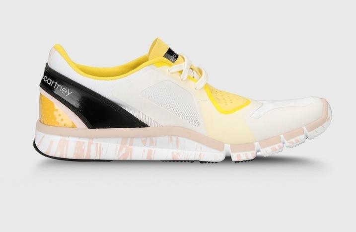 35cc7191ef1 McCartneys samarbejde med Adidas er intet mindre end genialt. Hvem vil ikke  gerne ligne en million, mens man træner? Disse sneakers behøver man ikke  kun ...