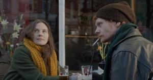 'I dine hænder': Poetisk debut føles som en mindre rystelse i dansk film