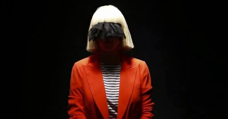 Sia deler storslået nummer: 'To Be Human' fra den nye 'Wonder Woman'-film