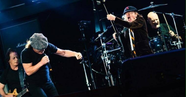 AC/DC – højt, hårdt og frydefuldt