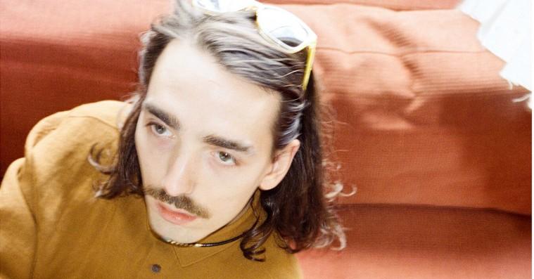 Premiere: Hør ny single med Reptile Youth-Esben Valløes nye elektroniske projekt Antonio Gram