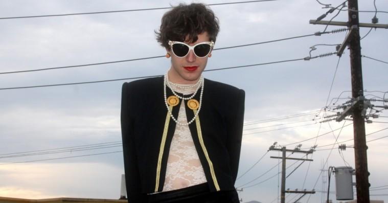 Ezra Furman sammensmelter solrig fuzzpop og 60'er-garagerock