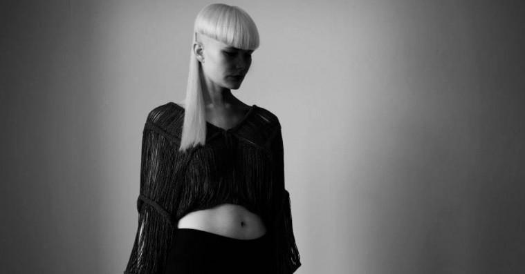 Kill J går i kødet på sexismen på sin nye single, 'Propaganda'