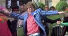 Video: 100 forskellige film danser med til Mark Ronsons 'Uptown Funk'