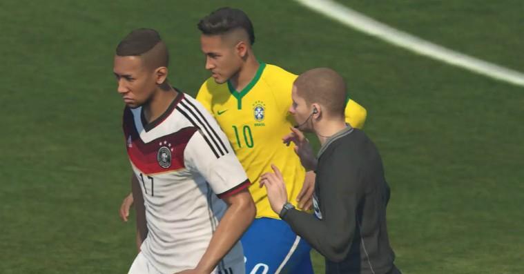 Årets fodboldkamp: Hvem løber med sejren i opgøret mellem 'FIFA' og 'PES'?
