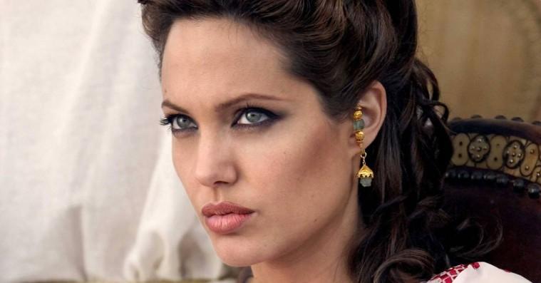 Angelina Jolie udtaler sig for første gang om megasviner fra stjerneproducer i Sony-hacket