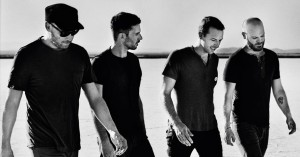 Coldplay annoncerer dobbeltalbum: 'Everyday Life' – varmer op med bandbillede feat. Nietzsche
