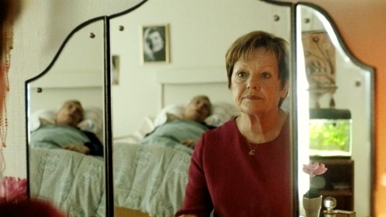 Ghita Nørby - nøgle hus spejl