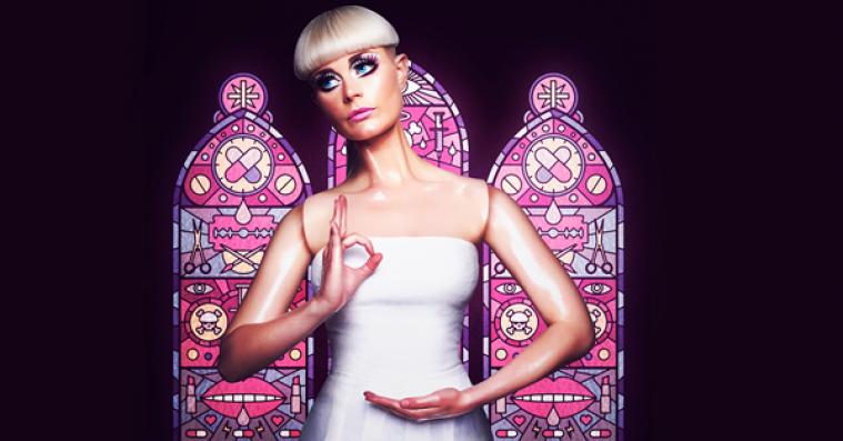 Hør Kill J's dystopiske cover af Aquas 'Barbie Girl'