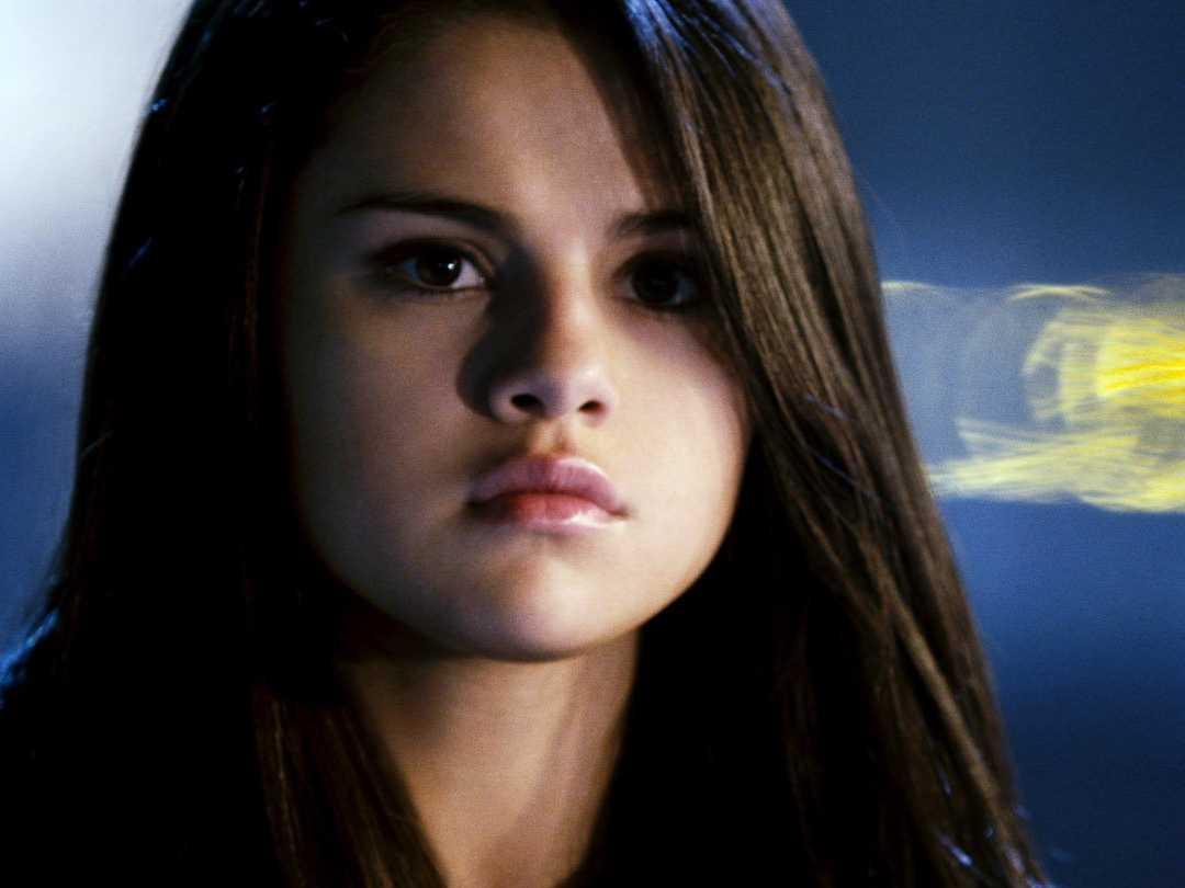 Netflix køber tv-serien '13 Reasons Why' med Selena Gomez foran og bag kameraet / Nyhed - Selena-Gomez