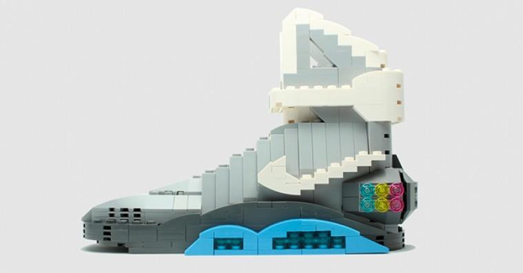 Kunstner genskaber hypede sneakers med legoklodser