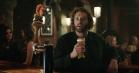 Se komikeren bag Erlich Bachman fra 'Silicon Valley' i et veloplagt skænderi med en punkerappelsin