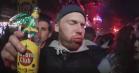 Video: Klumben vælter byen til den nye single 'S.O.S (Smøger og sprut)'