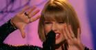 Se Taylor Swift åbne nattens Grammy-show med 'Out of the Woods'
