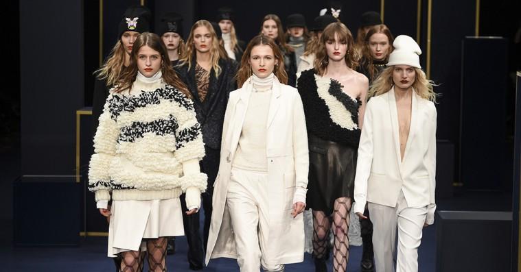 Copenhagen Fashion Week: Lala Berlin var råt i Rådhuset – men også feminint