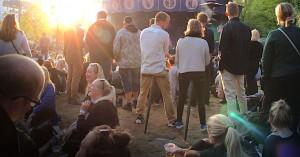 Træt i benene? Spar på kræfterne med denne sammenfoldelige campingstol