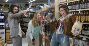 Mila Kunis er en elendig mor i kvindekomedien 'Bad Moms' – se den første trailer