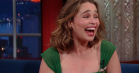 Emilia Clarke taler penis-close-up og body-doubles i 'Game of Thrones' hos Stephen Colbert