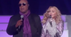 Se Madonna og Stevie Wonder i lilla Prince-duet til Billboard Music Awards