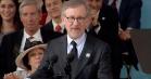 Se Steven Spielbergs tale til nyudklækkede Harvard-studenter – om sine film, fortiden og Donald Trump