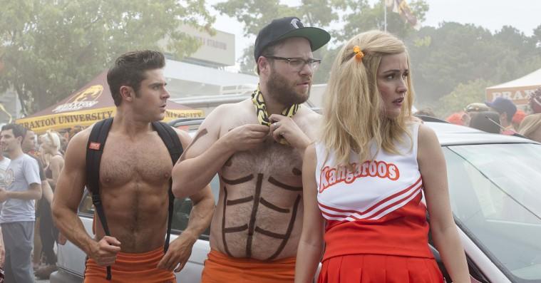 'Bad Neighbours 2': Zac Efrons herligt afdankede frat boy er sært bevægende