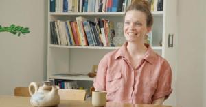 Inspirerende boliger: Lys indretning med træ-møbler på Amager