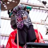 Roskilde Festival: Baby Blood fanget mellem kosmisk karma og sort fest