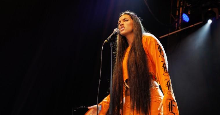 Roskilde Festival: Emilie Ramirez tæmmede publikum med hårdtslående fest