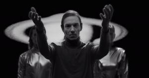 Hør Kenton Slash Demons nye single med Nikolaj Vonsild fra When Saints Go Machine, 'Peace'