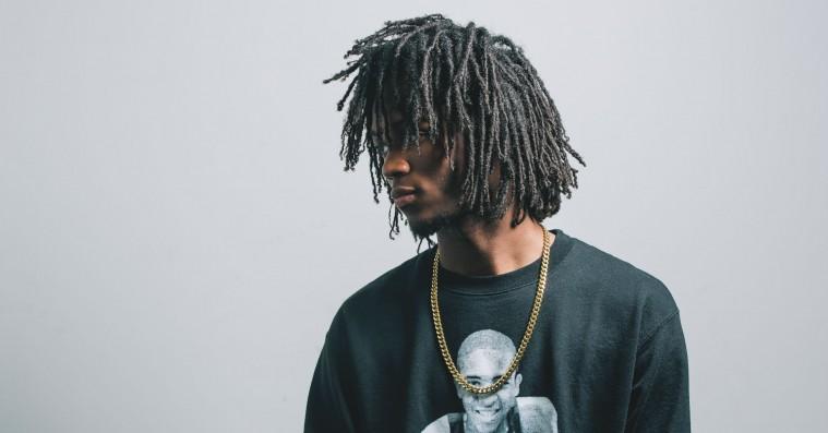 Hold øje med Saba: Eftertænksom Chicago-rapper, der hænger ud med Chance