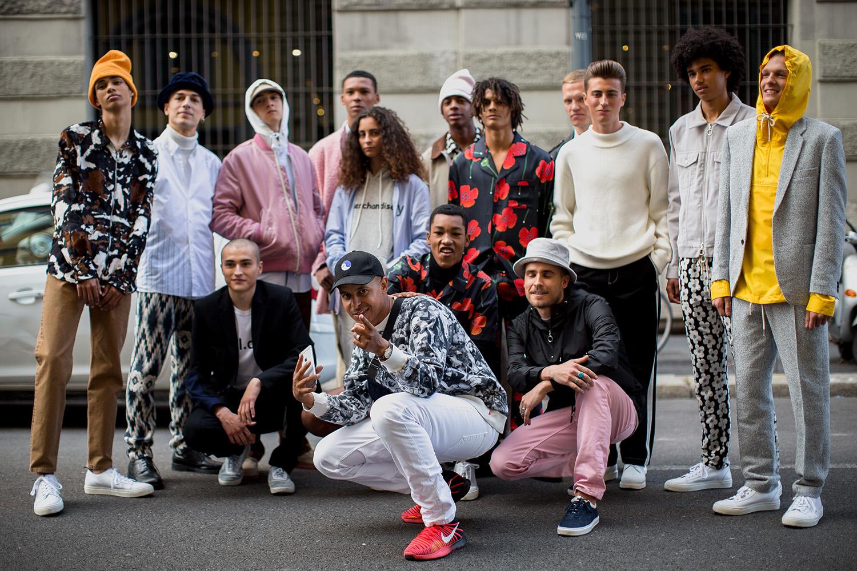 Silas Adler med modellerne i Milano