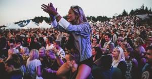 Solskin, sød musik og sommerstemning i Tisvilde: Se alle billederne fra Musik i Lejet