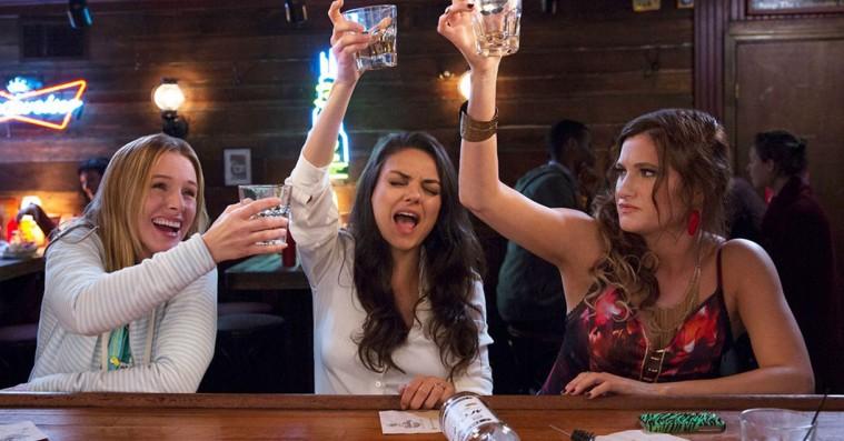 'Bad Moms': Mila Kunis-komedie udstiller Hollywoods forskruede kvindesyn