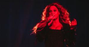 Beyoncé i Parken: Den kontrollerede vredes ypperstepræstinde