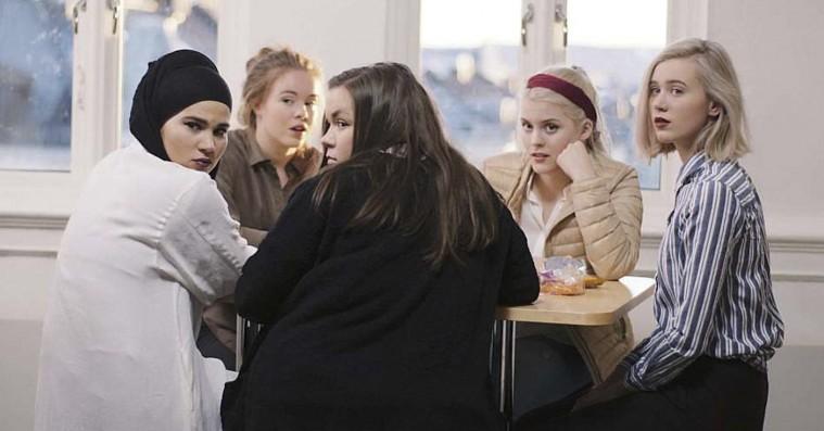 'Skam' sæson 1 & 2: Hypet norsk ungdomsserie skyder med spredehagl – og rammer ofte plet