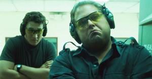 Jonah Hill knokler forgæves mod drengerøvshumor i krigskomedien 'War Dogs'