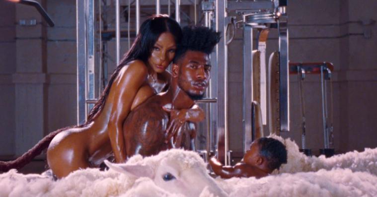 NSFW: Kanye udgiver skør og ret så sassy musikvideo til 'Fade'