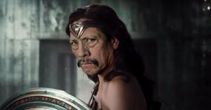 Bizar 'Justice League'-spoof tilføjer en skaldet Batman, lokummer og pivedyr