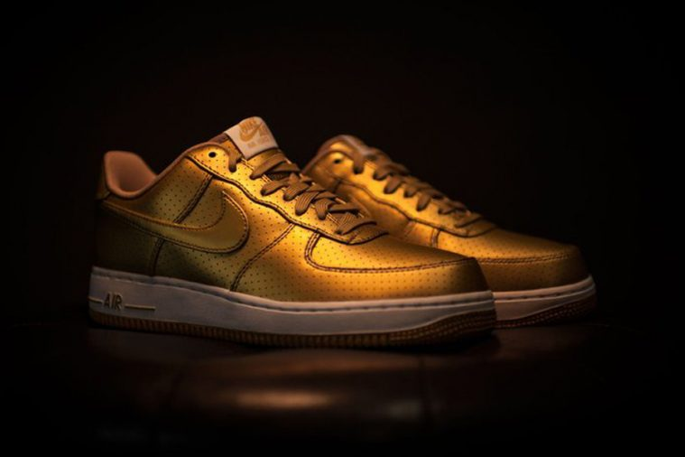 NikeAirForceOne_gold