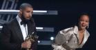 Rihanna modtager ærespris til VMA – se Drakes rørende kærlighedserklæring og RiRis charmerende takketale
